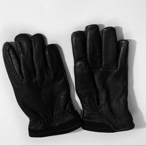 NWOT UGG Black Gloves Sz M